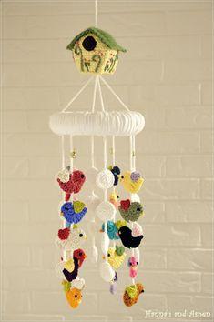 Crochet Baby Mobiles, Crochet Bunting, Crochet Mobile, Crochet Birds, Crochet For Kids, Crochet Decoration, Crochet Home Decor, Crochet Crafts, Crochet Toys