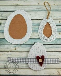Country cottage style fabric scrap Easter egg docoration idea Source by bernardeslauten Easter Egg Crafts, Easter Bunny, Easter Eggs, Felt Crafts, Diy And Crafts, Easter Activities, Easter Wreaths, Spring Crafts, Fabric Scraps