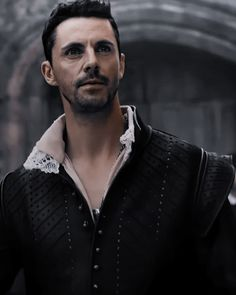 Matthew Goode, Fantasy Tv Series, Diana, Louise Brealey, Alex Kingston, Books Everyone Should Read, A Discovery Of Witches, Clermont, All Souls