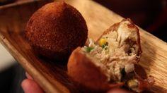 Coxhina, a classic Brazilian street food. Fried to perfection. Street Food, Food Videos, Olympics, Fries, Treats, Eye, Cooking, Celebrities, Classic