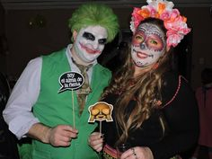disfraces en Avalonesmagia ...Joker y su amiga mexicana