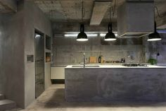 Renovation of a 40-Year-Old Reinforced Concrete Apartment 6