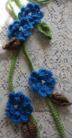 Collar de flores de crochet