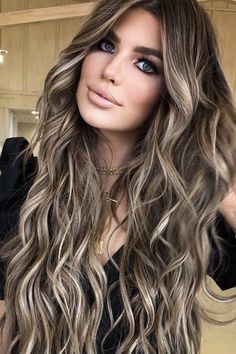 Balayage Hair Brunette With Blonde, Brown Hair With Blonde Highlights, Brown Hair Balayage, Hair Color Balayage, Brunette Color, Brown Hair Tones, Blonde Hair For Brunettes, Summer Brunette, Balyage Hair