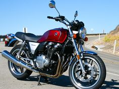 Riding the Honda CB1100F   Hell for Leather