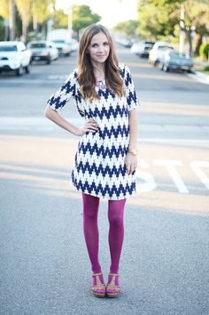 Fuschia, White & Blue + brown sandals Tried the color scheme, and loved it! Colored Tights Outfit, Purple Tights, Coloured Tights, Nylons, Pantyhose Outfits, Fashion Tights, Fashion Outfits, Womens Fashion, Pantyhose Fashion