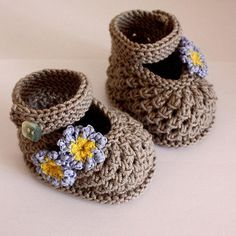Forget Me Not baby Shoes pattern $3.99 for the youngest guest at the wedding.