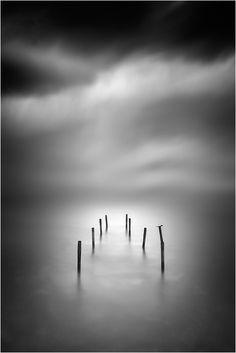 Photo Soundless by Ilias Varelas on Blur Photography, Photography Reviews, Photography Filters, Abstract Photography, Iphone Photography, Beautiful Landscape Photography, Beautiful Landscapes, Art Blanc, Minimalist Photography
