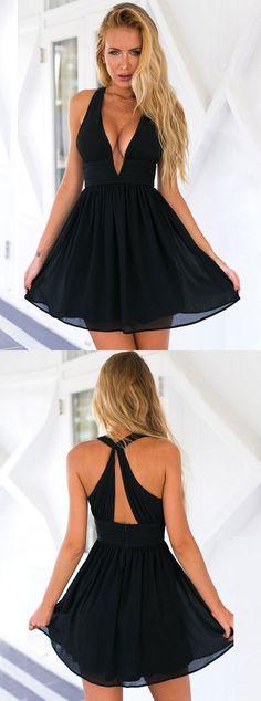 little black dress,sexy black short party dress,simple chiffon homecoming dresses,keyhole back dress for teens