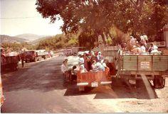 #Mersin #Tarsus'ta ya tarım işçileri ya da düğüne gidiyorlar, 1970'li yıllar. Dolores Park, Travel, Viajes, Destinations, Trips, Traveling