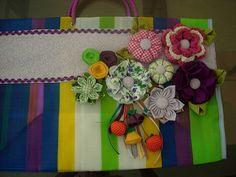mais sacolas customizadas com feltro e tecido | por Alcione artesanato