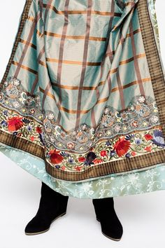 Web Server's Default Page Folk Costume, Costumes, Costume Ethnique, Frozen Costume, Traditional Outfits, My Design, Ethnic, Outdoor Blanket, Daughter
