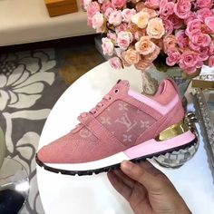 Louis Vuitton lv woman shoes sport sneakers