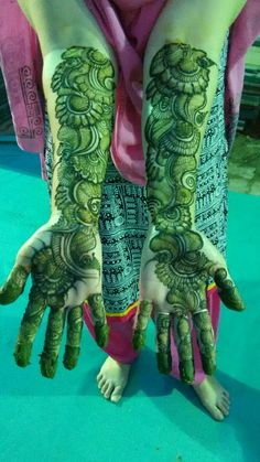 Best 12 Mehndi henna designs are always searchable by Pakistani women and girls. Women, girls and also kids apply henna on their hands, feet and also on neck to look more gorgeous and traditional. Khafif Mehndi Design, Latest Arabic Mehndi Designs, Simple Arabic Mehndi Designs, Full Hand Mehndi Designs, Stylish Mehndi Designs, Mehndi Designs 2018, Mehndi Designs For Beginners, Mehndi Designs For Girls, Mehndi Design Photos