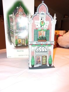 When you look at this Dept Christmas In The City Piece, PUBLIC ENEMY # 1 Accessory you can see it is a wonderful piece. Christmas In The City, Department 56, Advent Calendar, Bookends, Italy, Holiday Decor, Home Decor, Italia, Decoration Home
