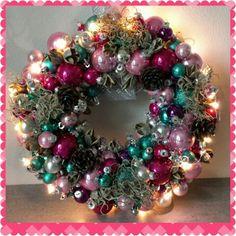 Met verlichting Ornament Wreath, Ornaments, Wreaths, Home Decor, Xmas, Deco Mesh Wreaths, Embellishments, Garlands, Home Interior Design