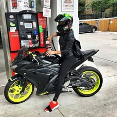 #Motorcycle #Tire Yamaha Motor Company, #MotoGP #YamahaYZFR125 Bicycle, Yamaha YZF-R25, Girl - Follow #extremegentleman for more pics like this!