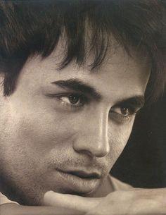 Enrique Iglesias, Visit http://www.enriqueiglesias.com/  https://www.youtube.com/user/enriqueiglesiasplay