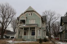 Green Victorian house in Galion Ohio, Crawford County OH