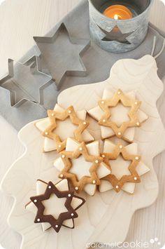 double stars of ginger_caramel cookie - caramel cookie Christmas Cookies Gift, Christmas Gingerbread, Christmas Sweets, Noel Christmas, Christmas Baking, Star Cookies, Biscuit Cookies, Cute Cookies, Cookie Caramel
