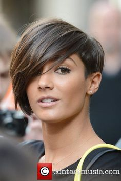 Frankie Sandford and The Saturdays outside the BBC Radio 1 studios - Pictures) Short Hair Haircuts, Choppy Bob Haircuts, Short Hair With Bangs, Short Hairstyles For Women, Bob Hairstyles, Short Hair Styles, Short Hair Cuts For Women, Love Hair, Great Hair