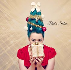Inspired Christmas tree hair by Phie's Salon Christmas Tree Hair, Christmas Makeup, Christmas Fashion, Xmas Tree, Christmas Time, Vintage Christmas, Christmas Ideas, Ugly Sweater Party, Ugly Christmas Sweater