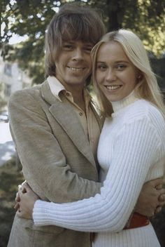 """The Swedish weekly """"Allers"""" accompanied Agnetha and Björn on intimacy in the summer of The photos were taken at Lilla Stockholm Essinger ilja where the couple lived at the time. Abba Mania, Music Like, Brighton, Mamma Mia, Black N White Images, Anna, The Most Beautiful Girl, Famous Faces, Hollywood Actresses"""