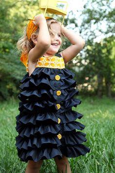 Ruffled dress tutorial. Dress Tutorials, Sewing Tutorials, Sewing Tips, Sewing Hacks, Sewing Projects, Sewing Patterns Free, Free Sewing, Free Pattern, Sewing Clothes