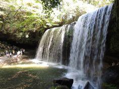 鍋ヶ滝 場所: 阿蘇郡, 熊本県