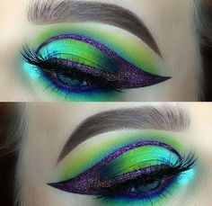 Peacock inspired dramatic eye makeup ideas If you want to try a different eye makeup look, maybe you can skip your usual smoky eye makeup, and . Peacock Eye Makeup, Dramatic Eye Makeup, Unique Makeup, Colorful Eye Makeup, Beautiful Eye Makeup, Rave Makeup, Glam Makeup, Eye Makeup Tips, Makeup Inspo