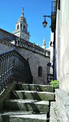 Salida a la catedral de #Lugo. #CaminoPrimitivo