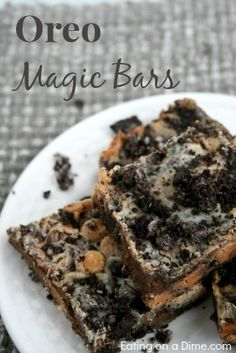Oreo Magic Bars are delicious and so easy to make! #desserts #dessertrecipes #yummy #delicious #food #sweet