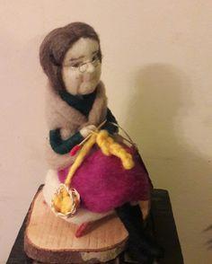 Muñeca de vellon Una linda abuelita hecha de vellon  Kimeltufieltro@gmail.com