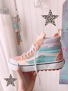 Dr Shoes, Nike Air Shoes, Hype Shoes, Sock Shoes, Vans Shoes, Me Too Shoes, Shoes Sneakers, Nike Socks, Jordan Shoes Girls