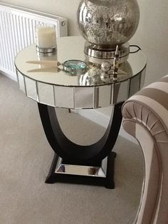 Our gorgeous Quartz Side Table styled fabulously here! Tv Furniture, Mirrored Furniture, Modern Furniture, Furniture Design, Mid Century Modern Mirror, Side Table Styling, Elegant Homes, Diy Table, Living Room Decor