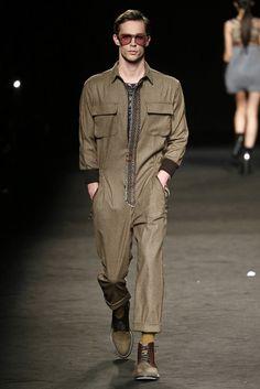 Barcelona Shirt, 080 Barcelona, Barcelona Fashion, Mode Masculine, Mens Fashion Jumpsuit, Brown Jumpsuits, Boiler Suit, Only Fashion, Men Jeans