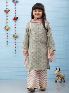 Looking for Dresses for kids ? Felame Choice Clothing is such Online Store that provides you Quality Dresses for Kids, designed by Designers. Contact us Now Girls Designer Dresses, Girls Dresses Sewing, Dresses Kids Girl, Baby Dresses, Baby Girl Frocks, Kids Frocks, Frocks For Girls, Baby Girl Dress Design, Girls Frock Design