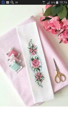 Cross Stitch Bookmarks, Mini Cross Stitch, Cross Stitch Needles, Cross Stitch Rose, Cross Stitch Borders, Cross Stitch Flowers, Cross Stitch Designs, Cross Stitching, Cross Stitch Embroidery
