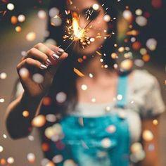 portraitfotografie männer foto ideen kreativ Today's Deals: New Deals. Portrait Photography Poses, Photography Poses Women, Girl Photography Poses, Tumblr Photography, Creative Photography, Amazing Photography, Fashion Photography, Kreative Portraits, Shotting Photo