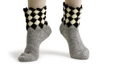 Knitting Socks, Knit Socks, Boot Cuffs, Coco Chanel, Knit Patterns, Bunt, Mittens, Knit Crochet, Slippers