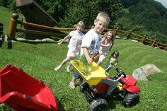 Urlaub am Kinder- & Babybauernhof in Niederösterreich/Farmholidays with Kids and Babies in Lower Austria Lawn Mower, Austria, Outdoor Power Equipment, Baby Strollers, Kids, Lawn Edger, Baby Prams, Prams, Stroller Storage