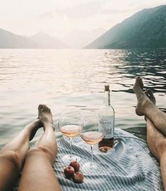 weekend getaway // travel // urban life // city life // couple goals // healthy life //