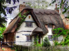 Thatched Cottage - Rose Cottage by Farce 68 Houghton, Cambridgeshire Cute Cottage, Old Cottage, Garden Cottage, Cottage Homes, Modern Cottage, English Cottage Style, English Country Cottages, English House, Storybook Homes