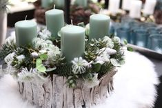 Christmas Candles, Blue Christmas, Christmas 2016, Xmas, Wedding Trends, Pillar Candles, Diy And Crafts, Table Decorations, Projects