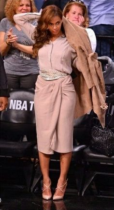 Beyoncé in Burberry Prorsum at the Miami Heat vs Brooklyn Nets Playoff Game in New York