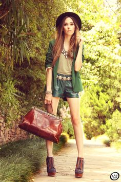 FashionCoolture 20/12/2012 green blazer SheInside vintage bag hat Asos high heels maxi necklace Rafaela Andrade (4)