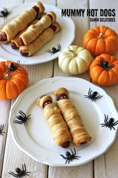 Mummy Hot Dogs. What a fun and festive October lunch/ dinner for the family! The kids will LOVE this! :)