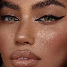 Eye Makeup Tips - How To Apply Eyeliner Makeup Trends, Makeup Inspo, Makeup Art, Makeup Inspiration, Daily Inspiration, Makeup Goals, Makeup Tips, Makeup Ideas, Makeup Tutorials