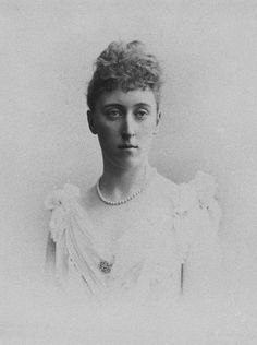 Princess Helena Victoria of Schleswig-Holstein, 1898 [in Portraits of Royal Children Vol.44 1897-1899]   Royal Collection Trust