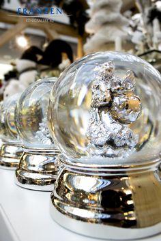 Diese wundervollen Schneekugeln (engl. snow globe) finden Sie in unserem Store auf der KÖ in Düsseldorf - weitere tolle Geschenkideen finden Sie auf www.franzen.de
